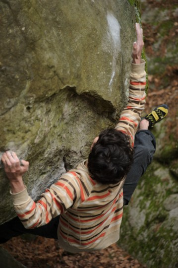 Paul Robinson on Tajine (8b) in Fontainebleau