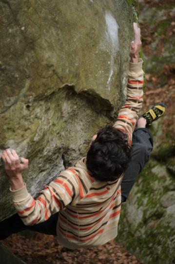 Paul Robinson on Tajine (8b) in Fontainebleau