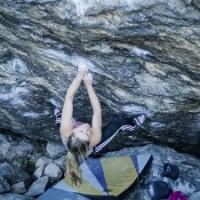 Shauna Coxsey Repeats Nuthin' But Sunshine (V13)